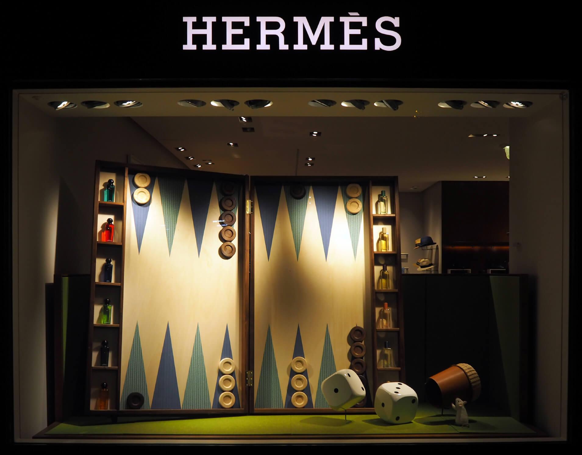 Hermes-suisse-retail-luxe-vitrine-window-display-visual-mersh-OKTO-_01
