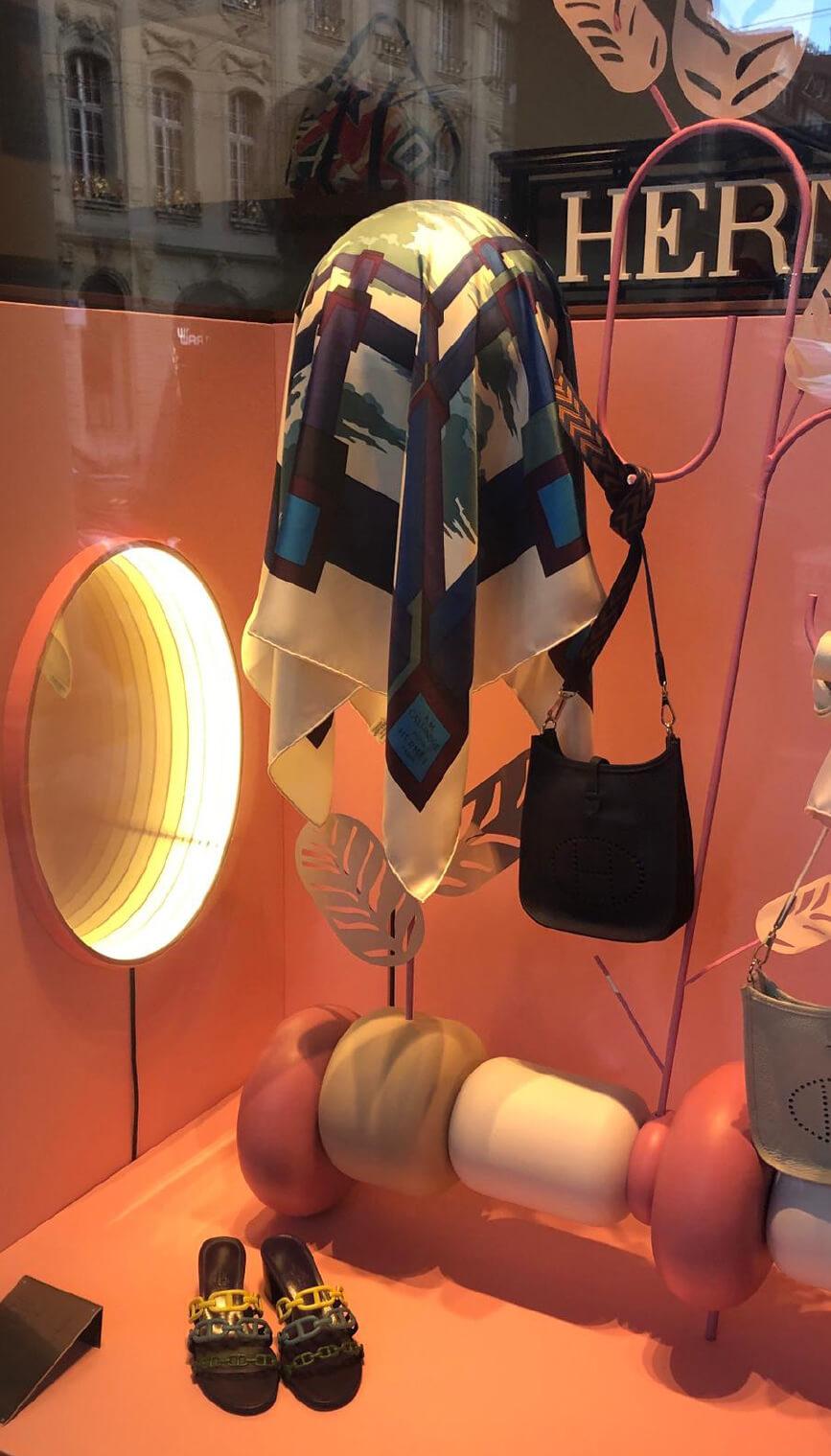hermes-suisse-window-vitrine-mersh-scenographie-decor-display-retail-luxe-OKTO-_03