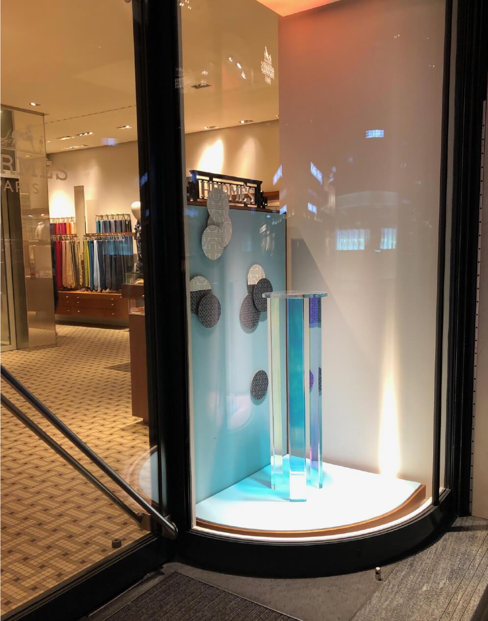 hermes-suisse-window-vitrine-mersh-scenographie-decor-display-retail-luxe-OKTO-_04
